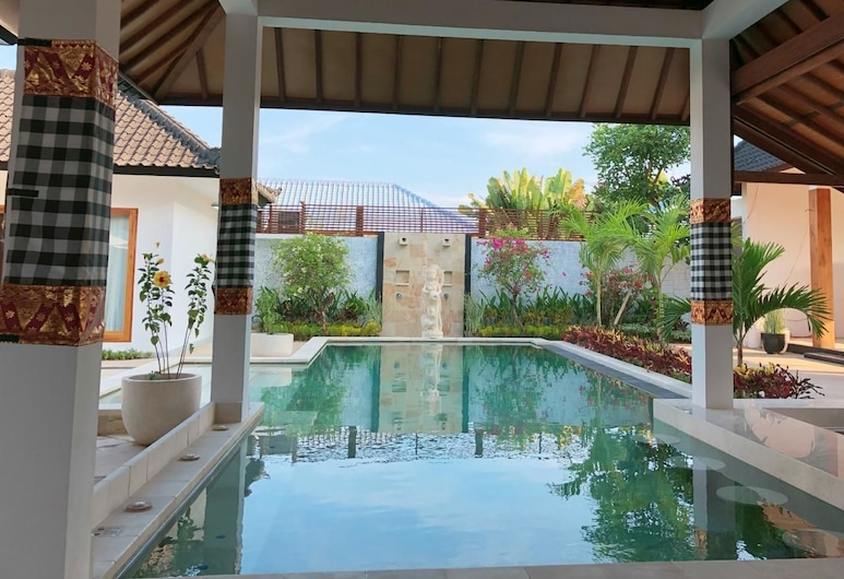 Villa Casablanca Surf Keramas, Gianyar, Vonkajší bazén