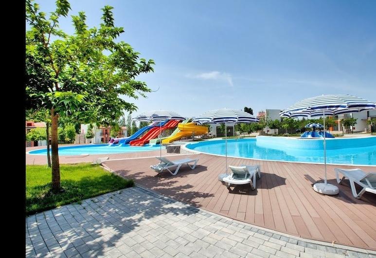Sheki Olimpiya Hotel & Resort, Şəki, Vesipuisto