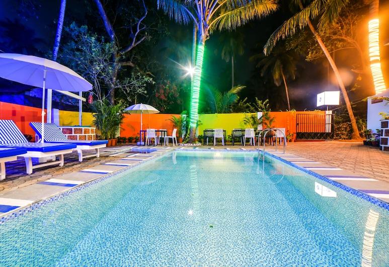 FabHotel K7 Trend, Calangute, Swim-up bar