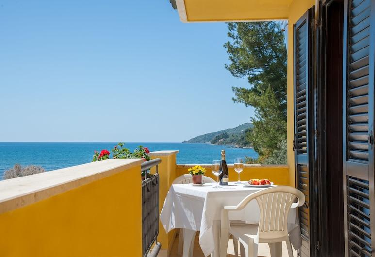 Hotel Il Porto, Casal Velino, Phòng 4, Nhiều giường, Quang cảnh biển, Ban công