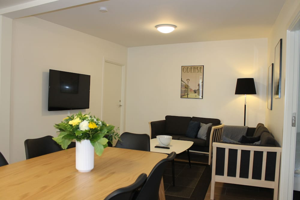Apartment, 2 Bedrooms (4-6 persons) - Living Area