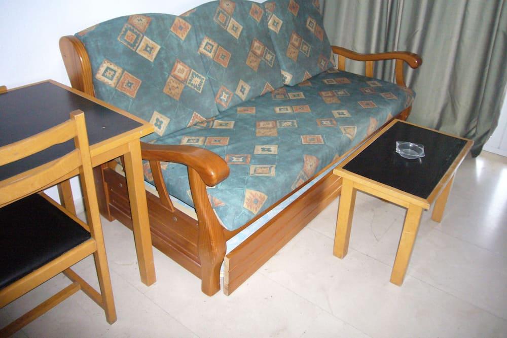 Căn hộ, 1 phòng ngủ, Ban công - Khu phòng khách