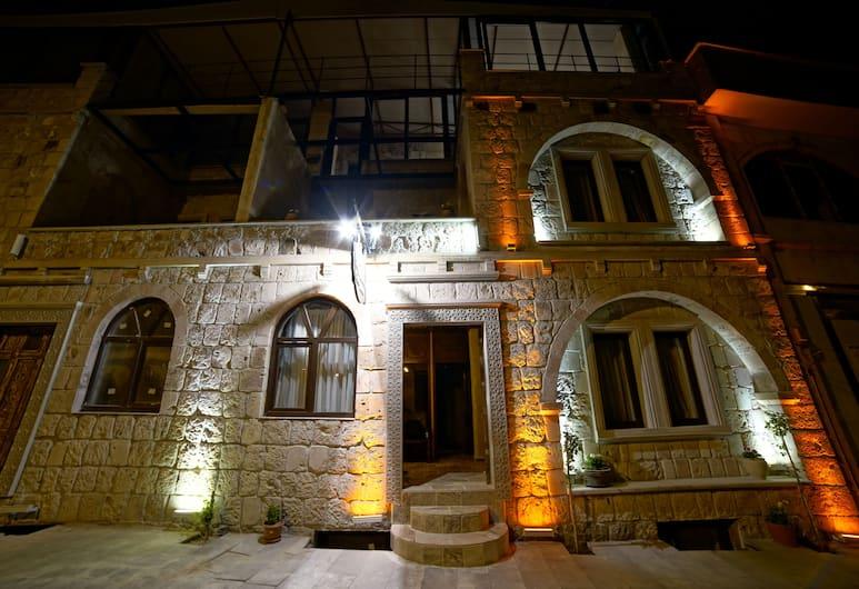 Feel Cappadocia Stone House, Nevsehir, Hotel Front – Evening/Night