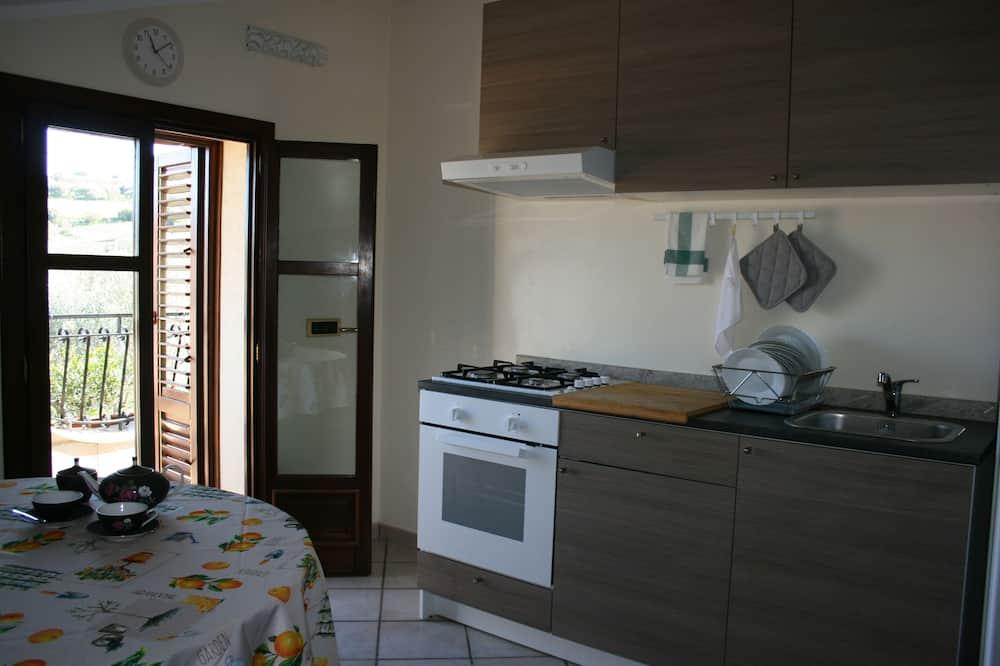 Classic maja, 3 magamistoaga, terrass, vaade merele - Einetamisala toas