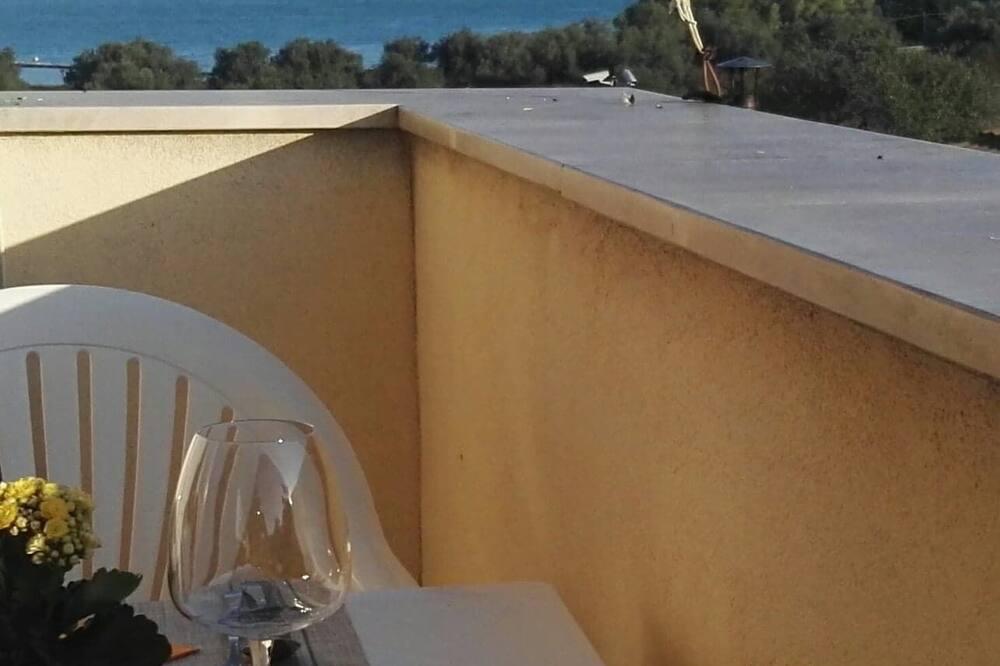 Classic maja, 3 magamistoaga, terrass, vaade merele - Terrass
