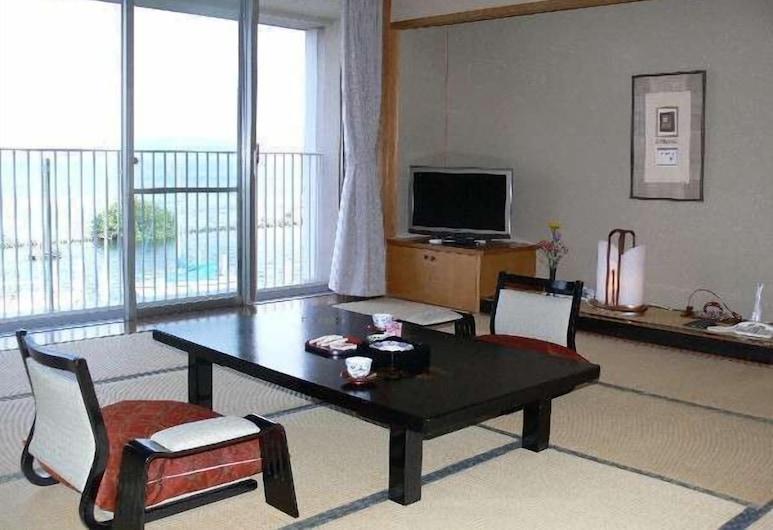 KKR Hotel Biwako, Otsu, Elutuba