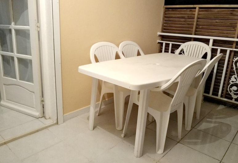 Apartment With one Bedroom in Le Gosier, With Furnished Garden and Wifi - 3 km From the Beach, Le Gosier