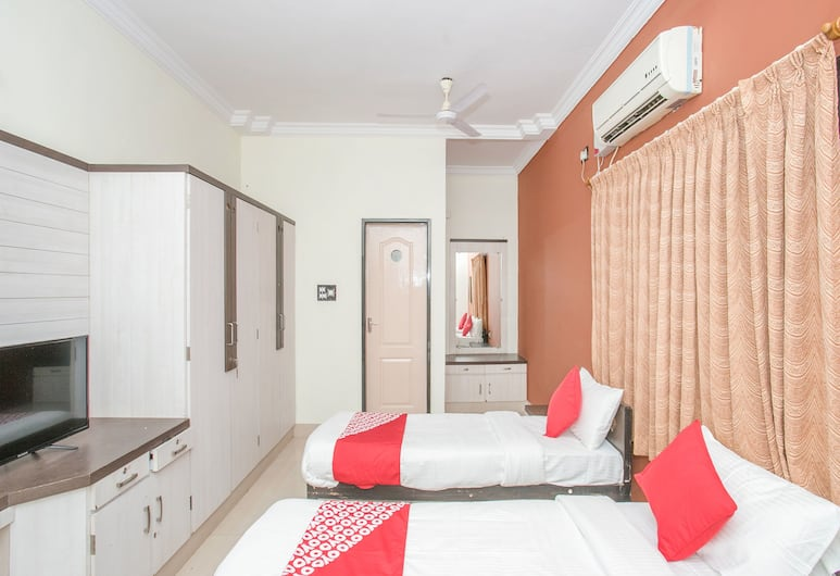 OYO 35708 Zee Hotel, Agra, Double or Twin Room, Guest Room