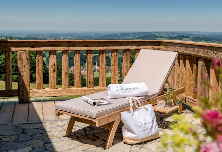 Chiemsee Chalet, Frasdorf, Exclusive Apartment, Lake View, Terrace/Patio