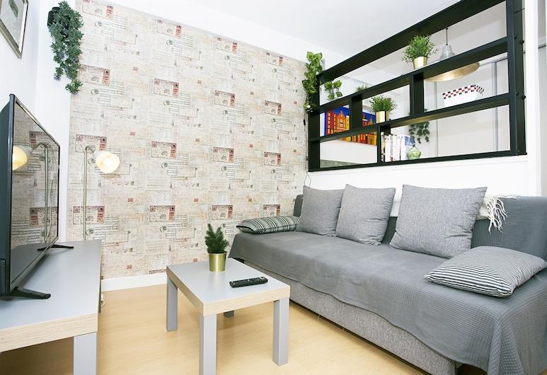 Beautiful Quiet and Nogalera Center, Torremolinos, Lägenhet - balkong - viss havsutsikt, Vardagsrum