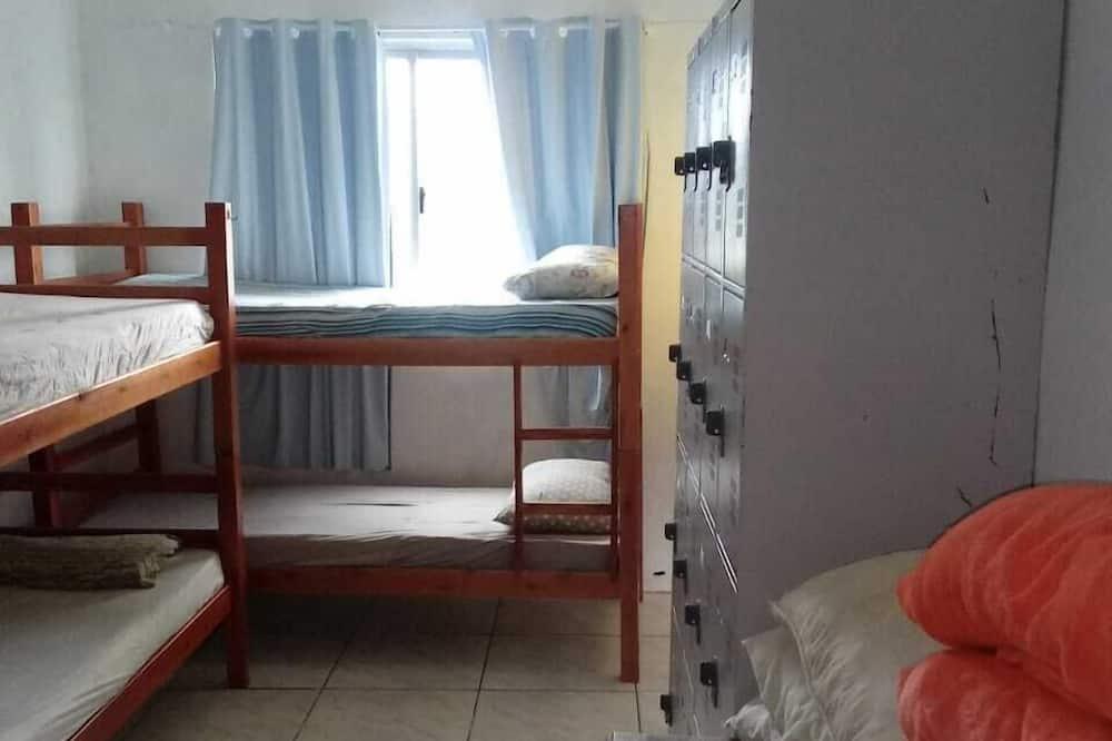 חדר מעונות משותף אקונומי, 2 חדרי שינה - חדר אורחים