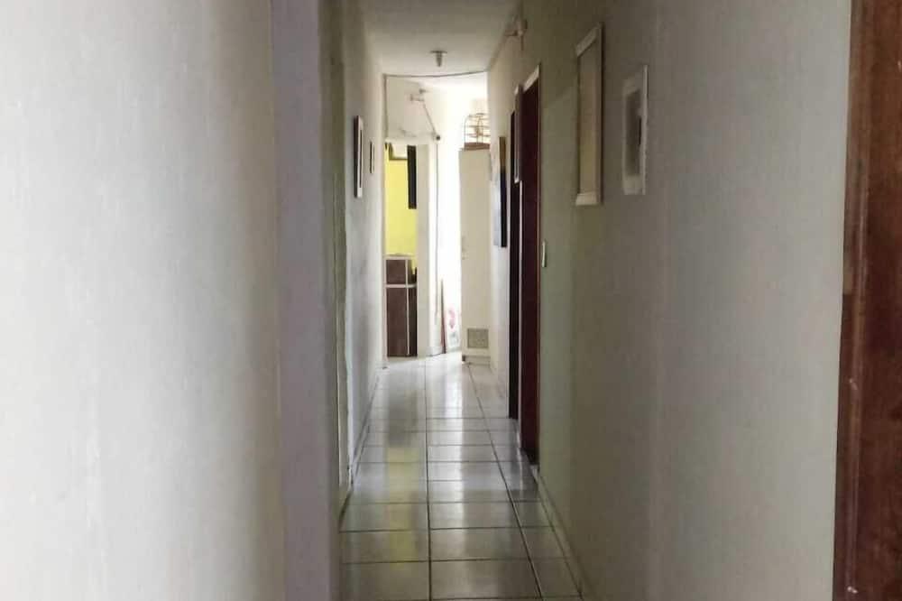 חדר מעונות משותף אקונומי, 2 חדרי שינה - חדר רחצה