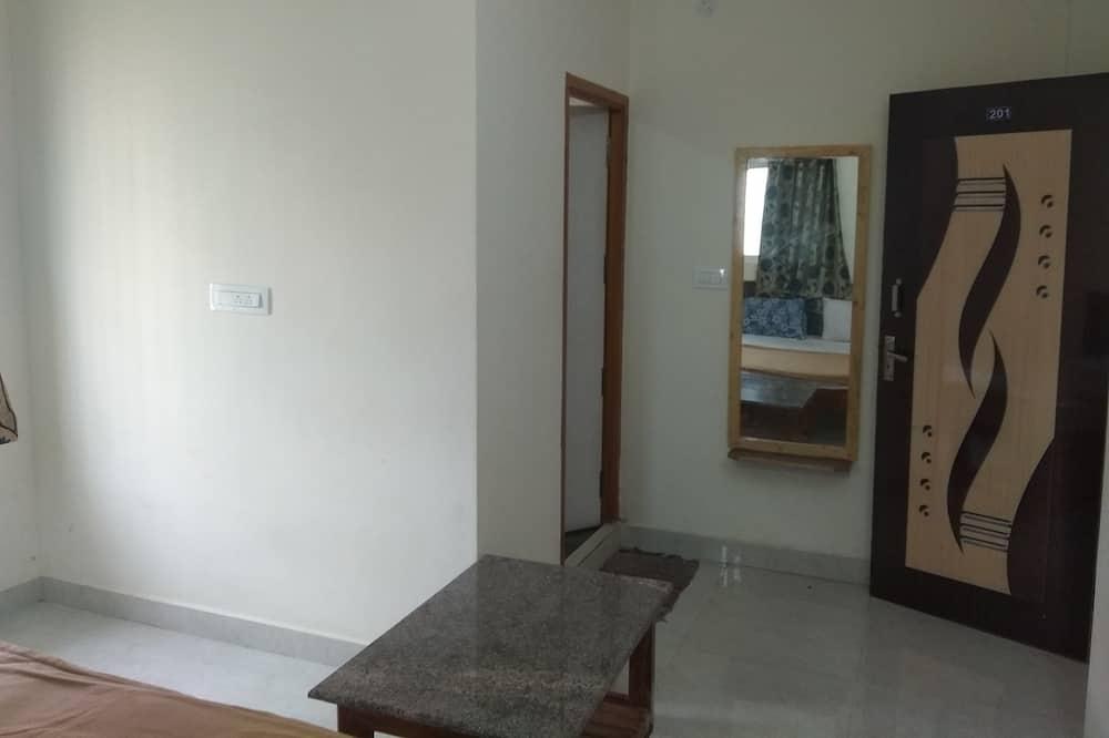 Basic Triple Room, Multiple Beds - Guest Room