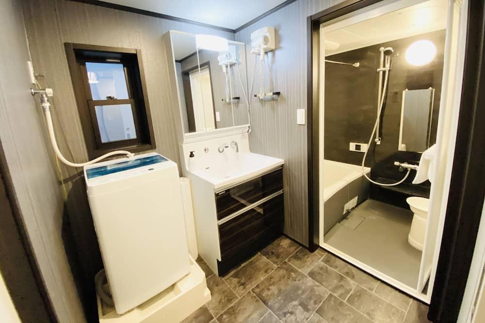 Standard-Vierbettzimmer (#CL1) - Badezimmer