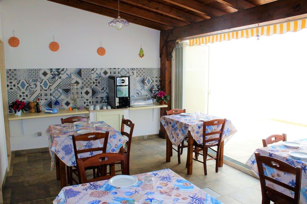 三人房, 庭院景观 (Rosa) - 共用厨房