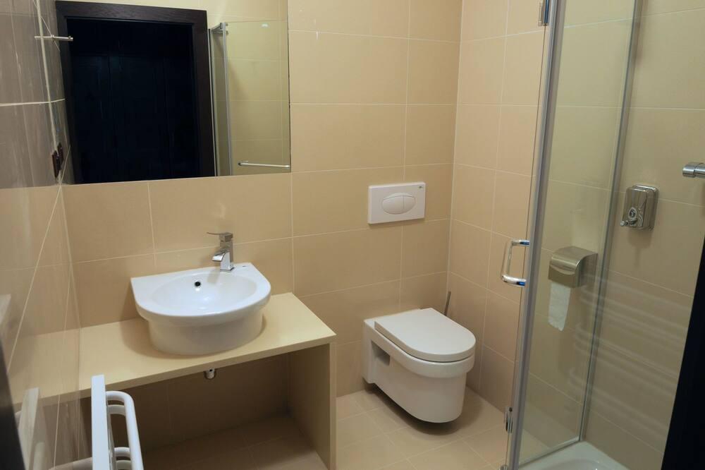 Štandardná dvojlôžková izba, výhľad na hory - Kúpeľňa