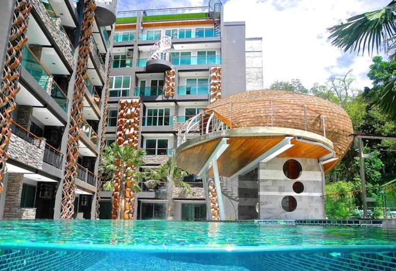 Emerald Terrace - New City View Apartment, Patong