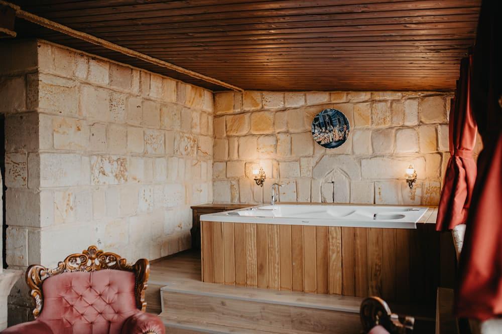 King Suite - 専用スパ用浴槽