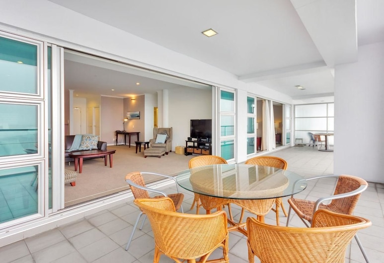 QV Stunning Waterfront Apartment - 378, Auckland