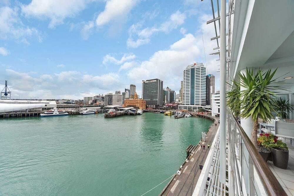 Apartemen (Private Serviced Aparment) - Pemandangan Balkon