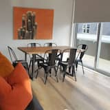 Appartement (Private Serviced Aparment) - Eetruimte in kamer