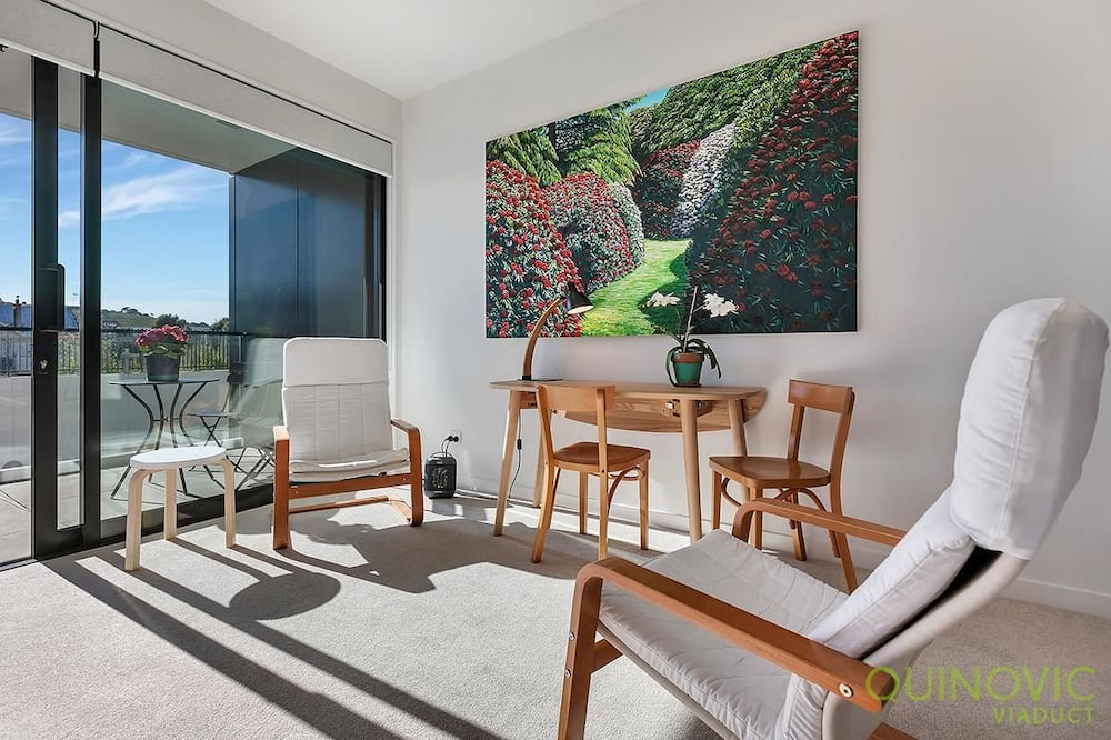 Apartment (Private Serviced Aparment) - Living Room
