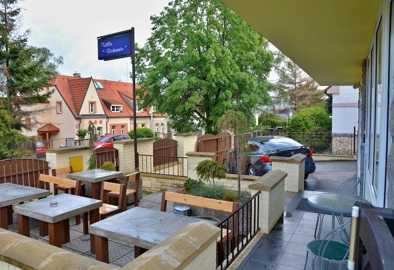 Vila Bohemia, Praga, Terraço/pátio
