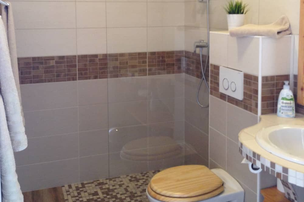 Twin Room, Garden View - Bathroom