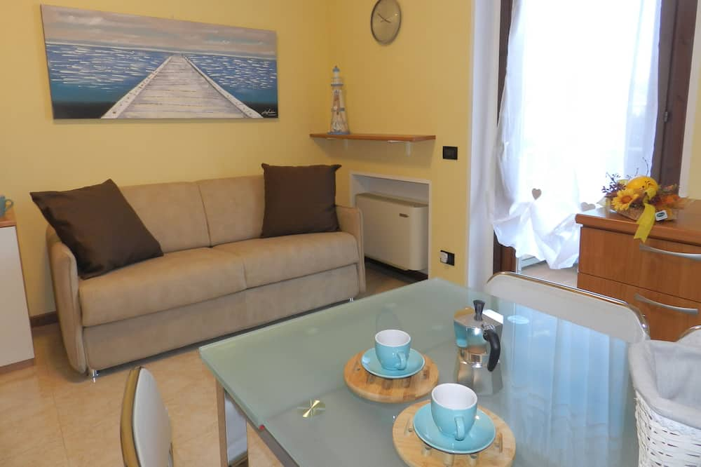 Superior Studio, 1 Double Bed with Sofa bed, Balcony, Garden View - Living Area