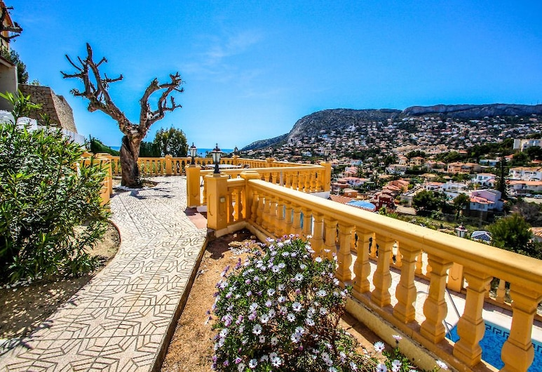 Tosal Julia - sea view villa with private pool in Calpe, Calpe, Property Grounds