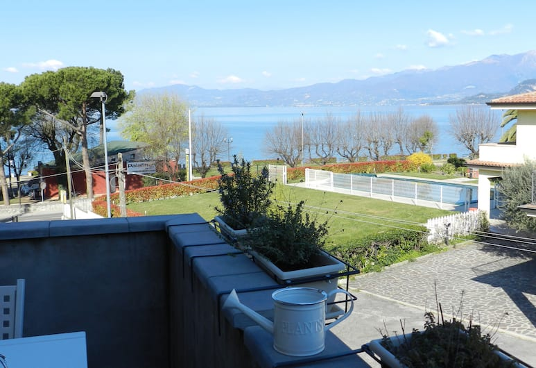 The Beach, Bardolino, Alloggio su due livelli, Vista balcone