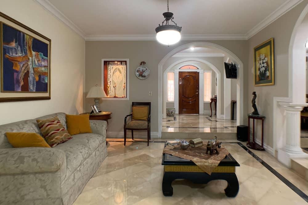 Residenza familiare, Letti multipli, vista collina - Area soggiorno