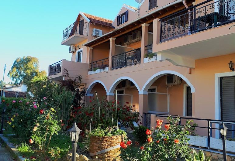 安吉拉公寓酒店, 科孚島