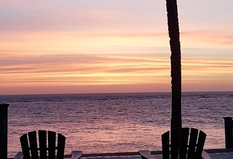 Relaxing Oceanfront Condo, Šventosios Elenos sala, Paplūdimys