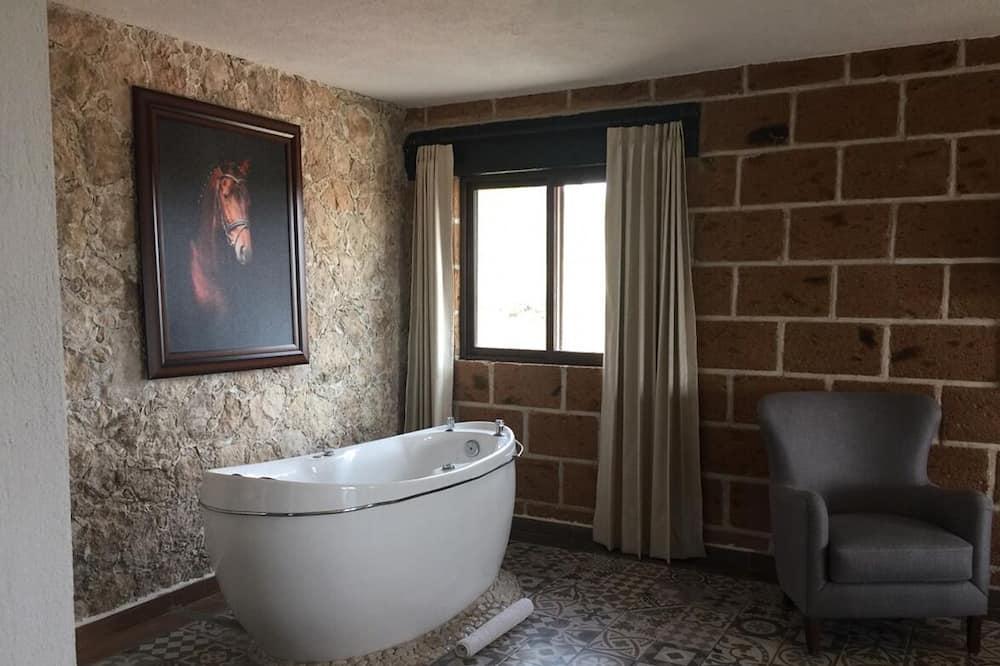 럭셔리룸, 분사식 욕조 - 전용 스파 욕조