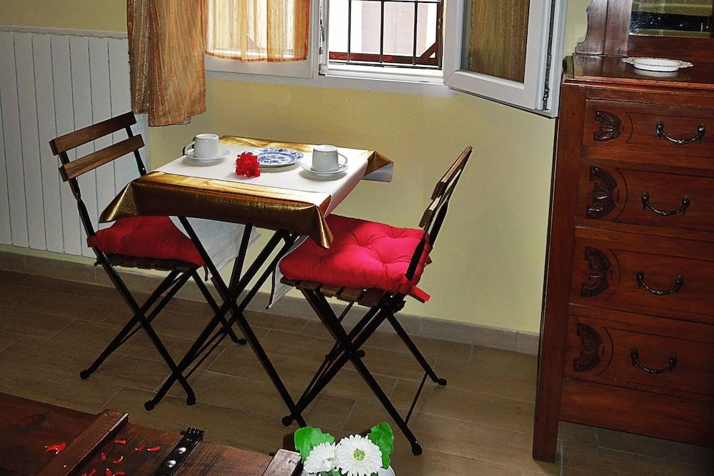 Dvojlôžková izba, súkromná kúpeľňa - Obývacie priestory