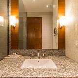 Executive szoba kétszemélyes ággyal, 1 king (extra méretű) franciaágy - Fürdőszoba