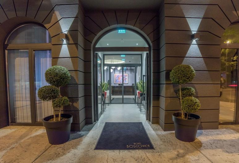Boscovich Boutique Hotel, Podgorica, Hotel Entrance