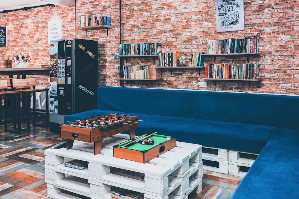 Shared Dormitory, Mixed Dorm (12 beds) - Living Area