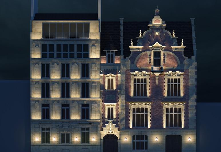Hotel Le Ballu, Paris, Hotellfasad - kväll