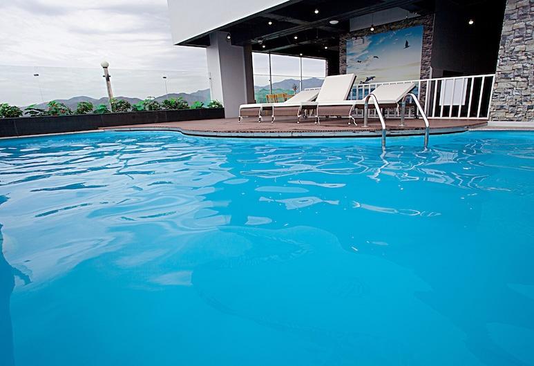 Royal HPM Hotel, Niačangas, Išorė
