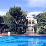 VILLA MARRONE Luxury Residences