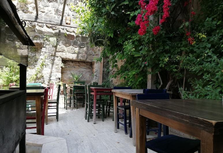 Gizli Bahce, Antalya, Innenhof