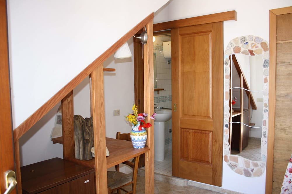 Basic Double Room - Ruang Tamu