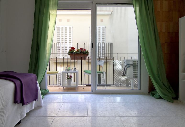 Apartment Denisa, Sitges, Basic Apartment, 1 Bedroom, Balcony, Living Area