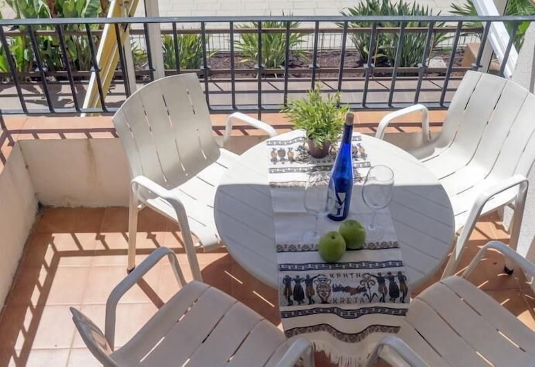 Oasis, Sitges, Basic Apartment, 3 Bedrooms, Balcony, Balcony