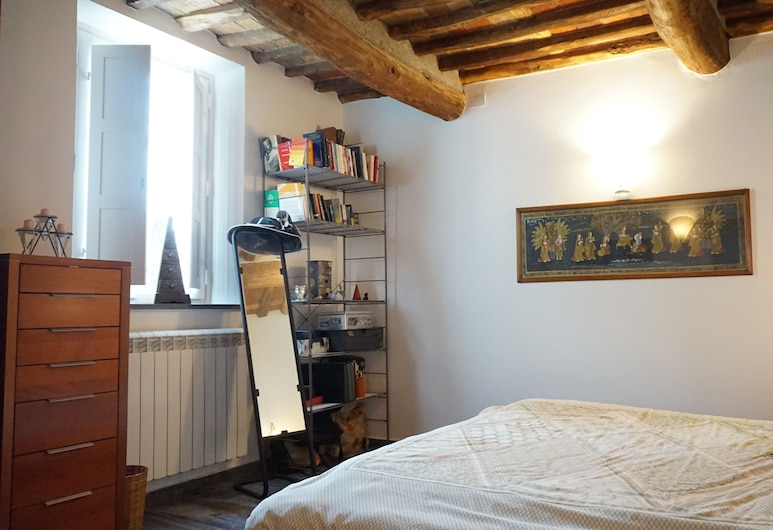 Susie's Apartment, Lucca, Apartment, 2 Bedrooms, Room