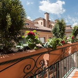 Rental In Rome Colosseum View Luxury Apartment