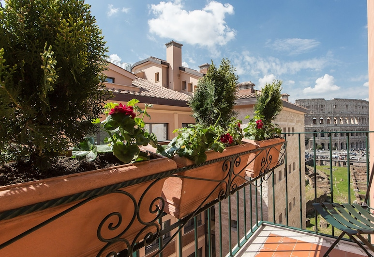 Rental In Rome Colosseum View Luxury Apartment, Rome