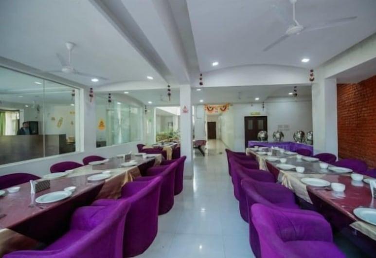 Hotel Rajgarh, Kumbhalgarh, Restaurant